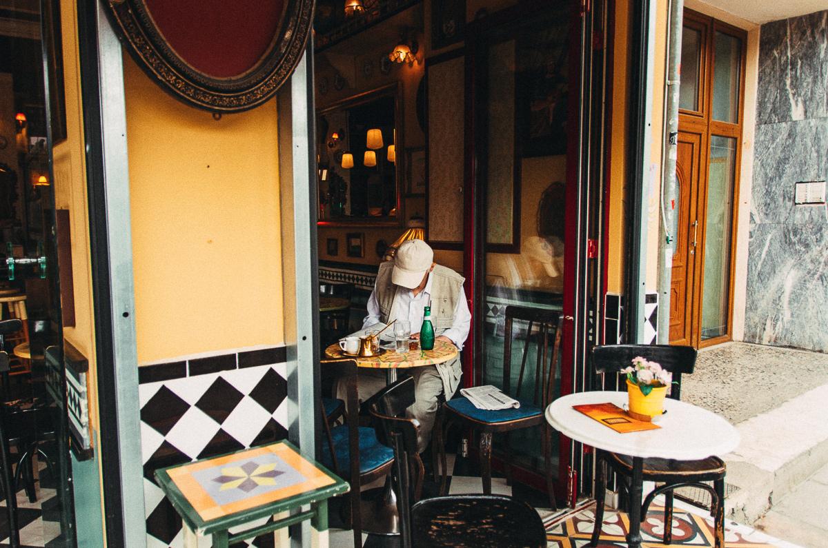 Греческий кофе в кафе, Салоники, Греция